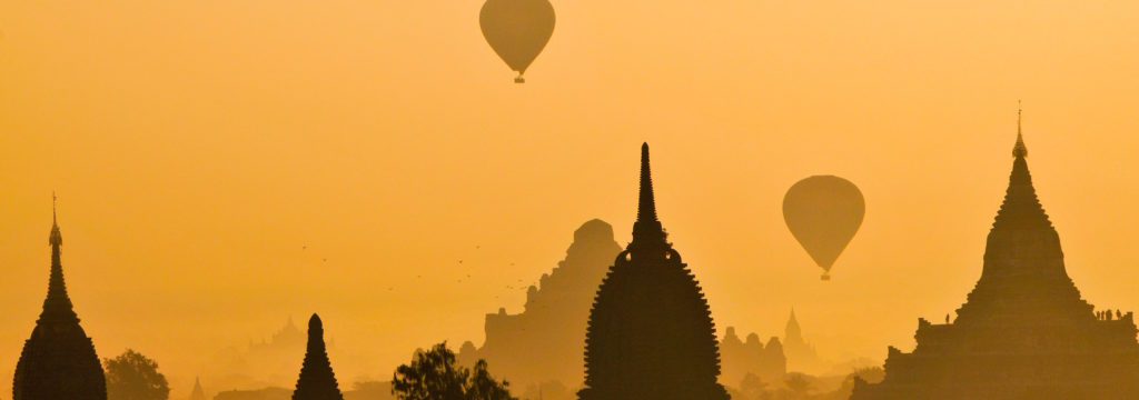 hot air balloon landscape, how to market your travel business with a lead magnet